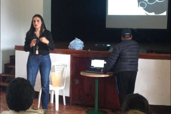 jhamile Abuabara little connexions apoya al emprendimiento colombiano marketing digital tansformación digital empoderamiento